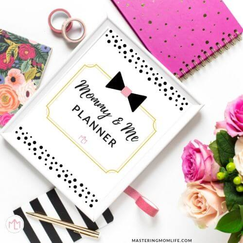 Mommy & me planner: Image of desk and flowers
